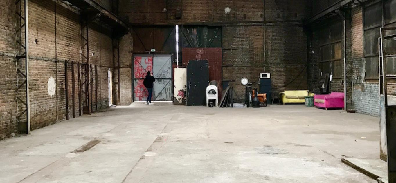 Privatisation, Hangar industriel désaffecté, Paris 19e